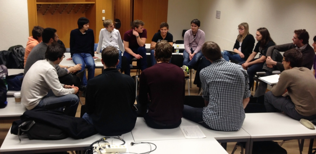 Diskussionsgruppe (unter Leitung eines Assistenten)
