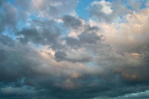 Wolkenschauspiel über Biel