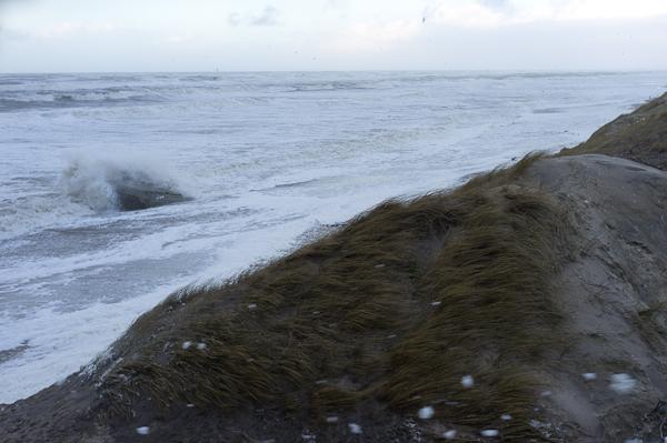 Stürmische See bei den Dünen von Søndervig