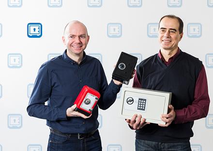 Jürg Järmann (ID PPF, links) und Anatoliy Holinger (ID NET) haben die verschiedenen Passwort-Tresore für die ETH-Angehörigen untersucht.