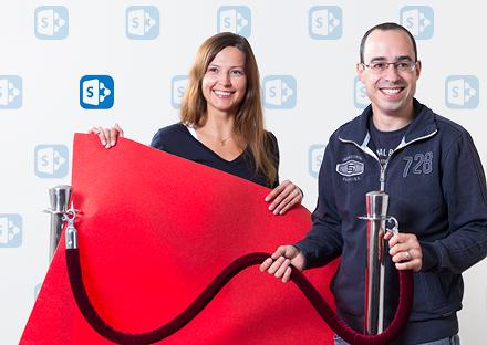 Roter Teppich für SharePoint 2016: Kinga Kazala (ID SDL) und Andreas Müller (ID BD) beginnen mit dem Rollout.