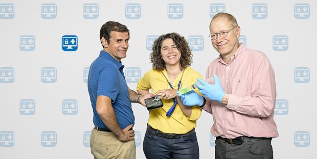 Das Leonhard Med-Team mit Diego Moreno, Diana Coman Schmid und Christian Bolliger (alle ID SIS) bringen IT und Medizin sicher und vertraulich zusammen.
